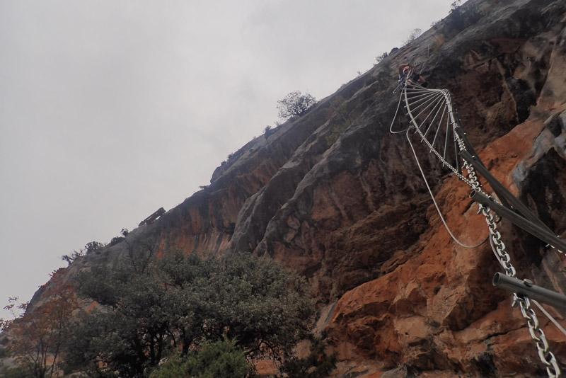 escalera helicoidal ferrata roca narieda